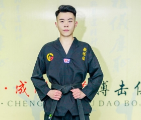 成人跆拳道培训教练